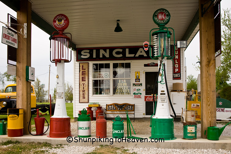 Visible Gas Pumps, Lawrence County, Missouri