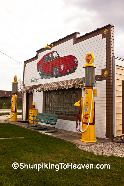 Replica Shell Service Station, Dwight, Illinois