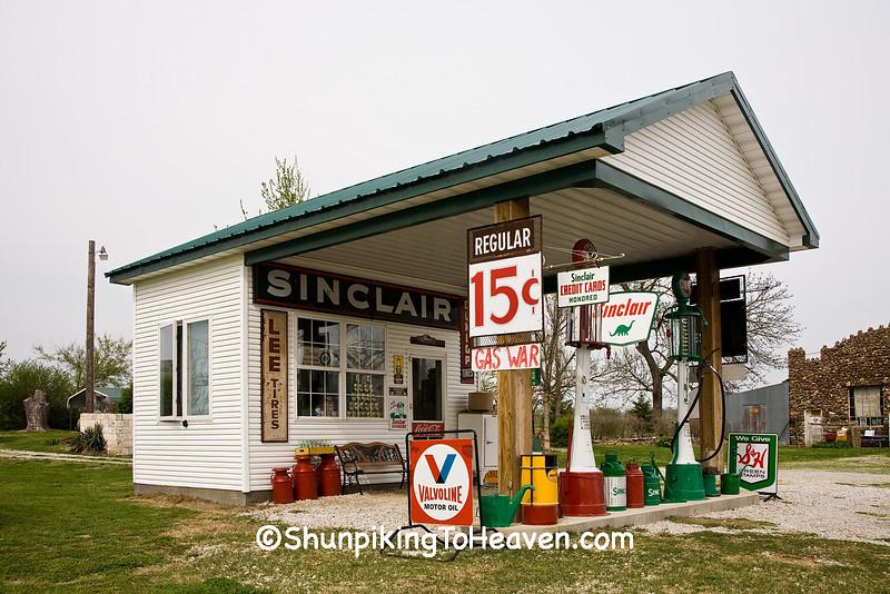 Gay Parita Sinclair Station, Lawrence County, Missouri