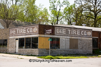 G&E Tire Company, Route 66, Carthage, Missouri