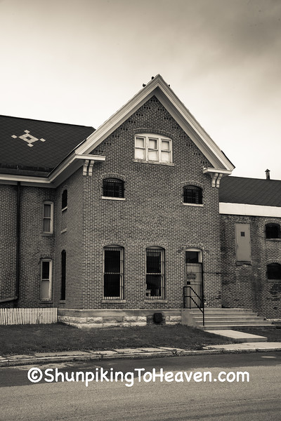 Morgan County Sherriff's House & Jail, Martinsville, IN