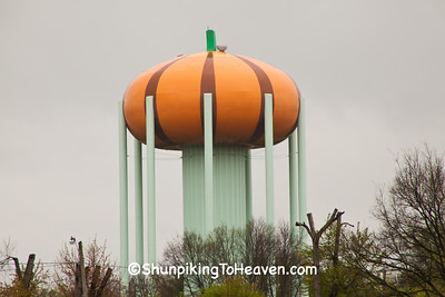 Pumpkin Water Tower, Circleville, Ohio