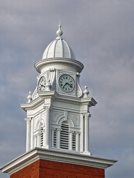 Alabama's Lee County Courthouse