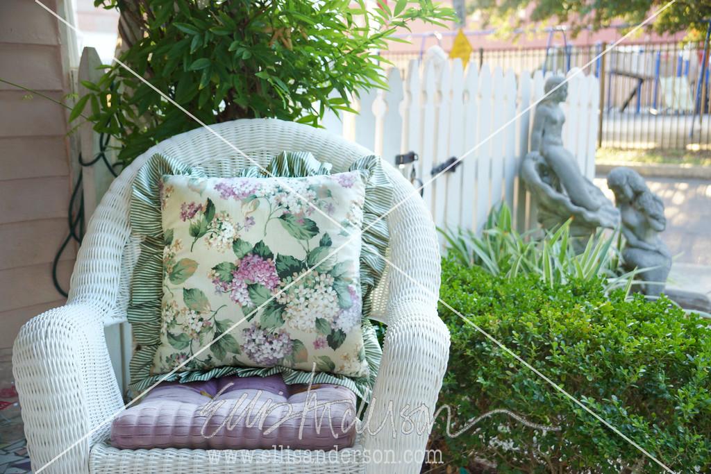 wicker chair 0299