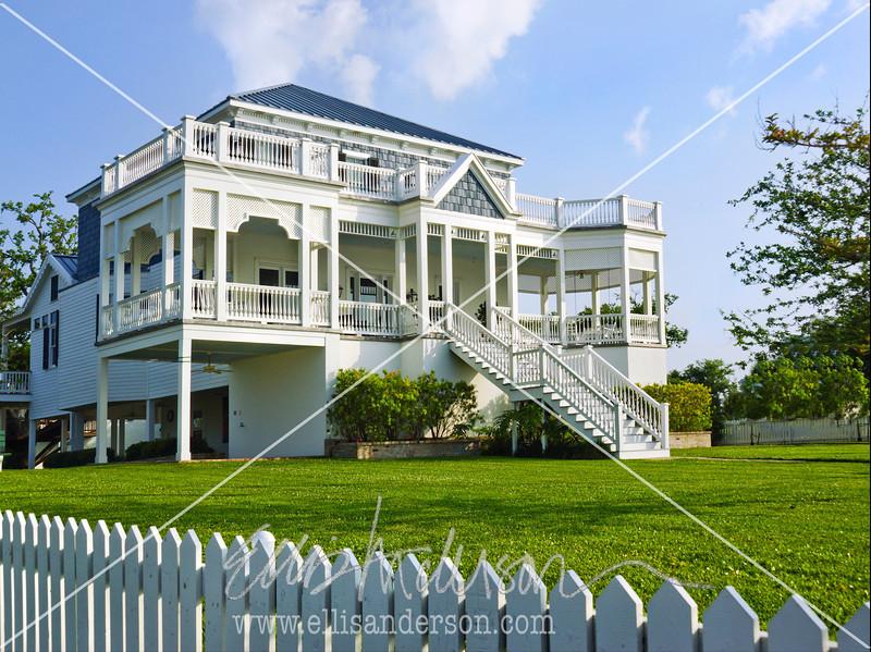 Waveland house 8778