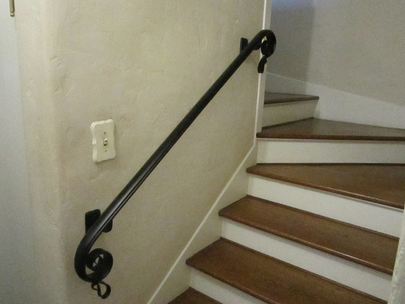 Curved handrail - Grand Ave., South Pasadena, CA