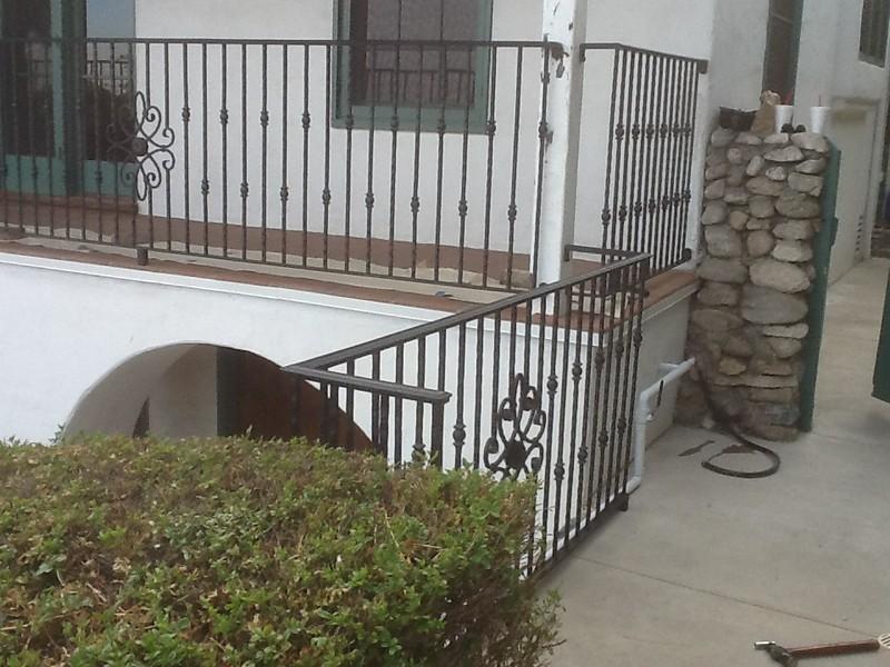 Second story rail detail - Tarazone residence, Pasadena, CA