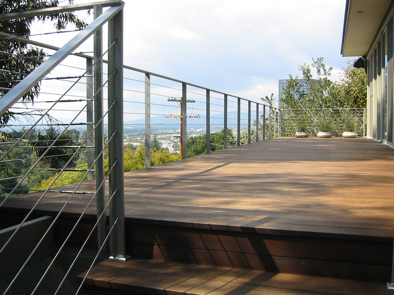 Aluminum bar and stainless cable rail  - Lucas residence, Hollywood Hills, CA