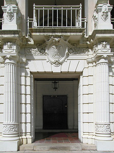 Hawai'i State Art Museum Spanish Mission Revival-style, 1928Main entranceHonolulu, Hawai'i