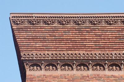 Corner cornice detail