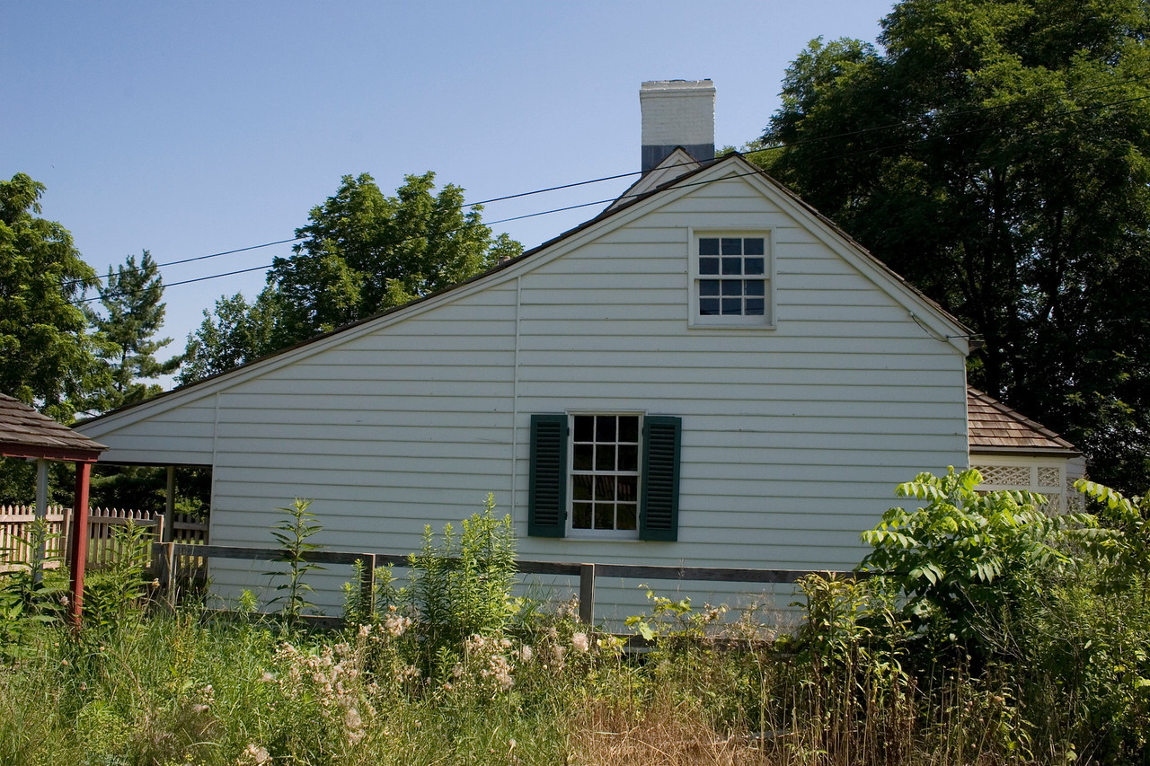 Woodville Plantation: exterior: kitchen