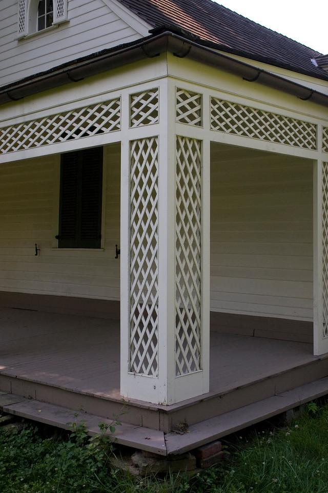 Woodville Plantation: exterior: porch