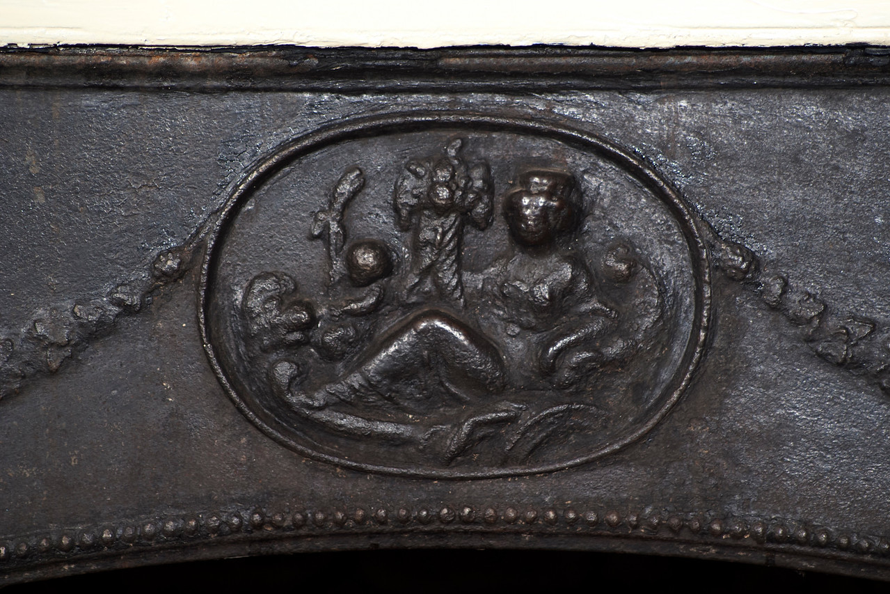 Woodville Plantation: interior: dining room fireplace detail