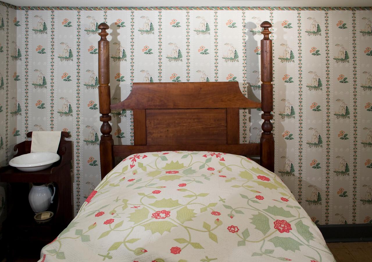 Woodville Plantation: interior: right bedroom