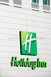 HolidayInn-001