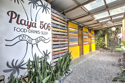 Playa 506 Hostel & Bar
