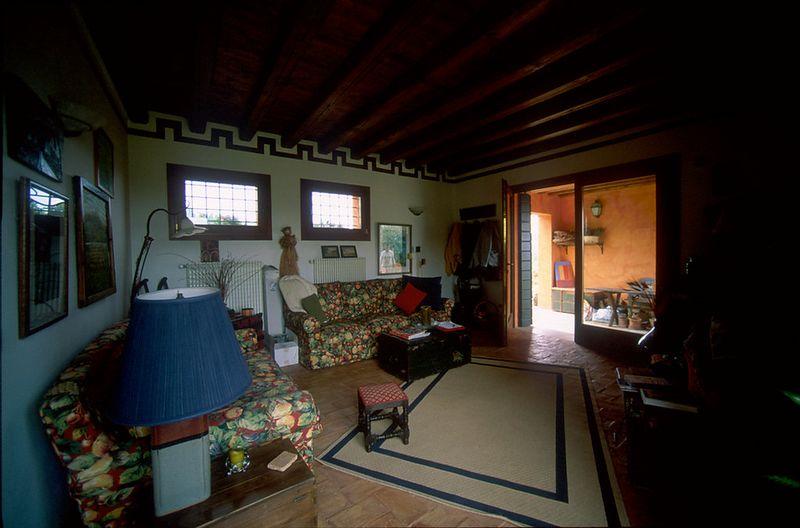 Family room toward portico