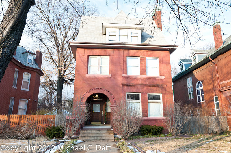 2925 Russell