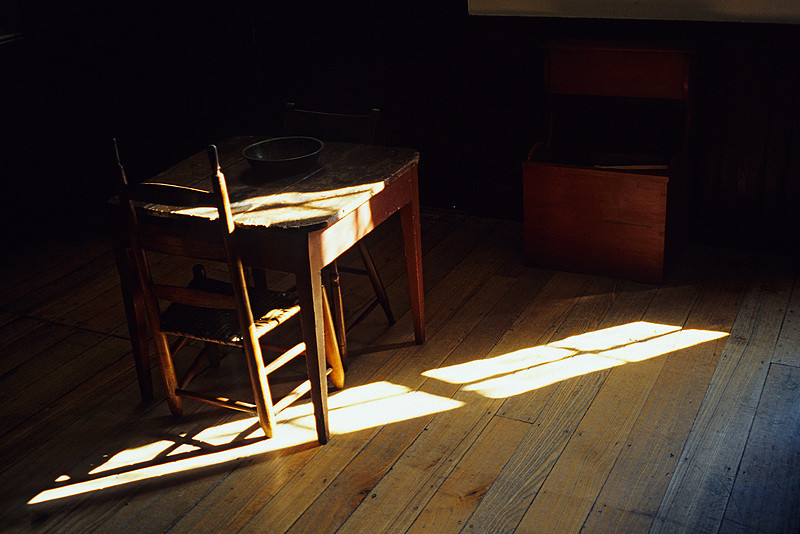Shaker Table & Chair in Sun Shaft