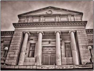 Iowa City Library  01 07 12  016
