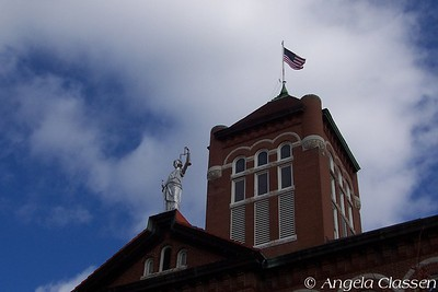 Lady Justice atop Anderson Co. Courthouse