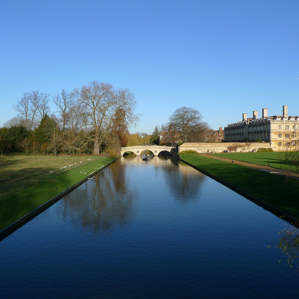 "Photo taken standing on the King's College Bridge looking towards Clare College Bridge<br /> <br /> <br />  <a href=""http://en.wikipedia.org/wiki/List_of_bridges_in_Cambridge#Other_bridges"">http://en.wikipedia.org/wiki/List_of_bridges_in_Cambridge#Other_bridges</a>"