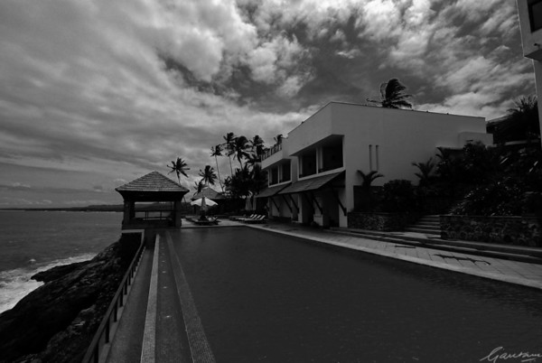Club floor pool, Leela Beach Resort, Kovalam; black and white