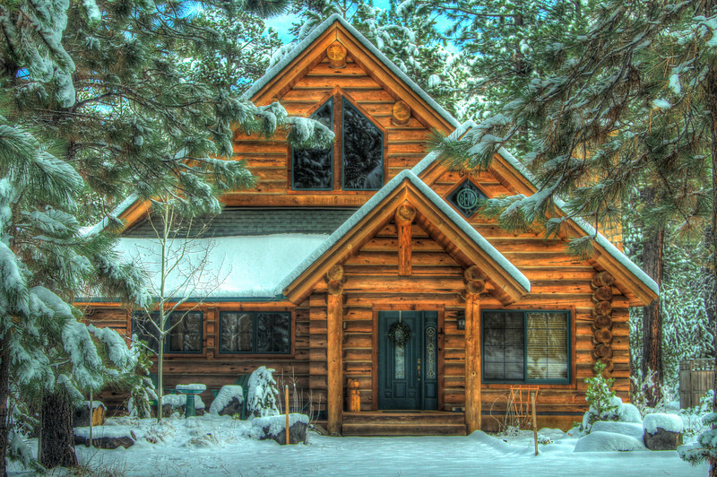 Local log house