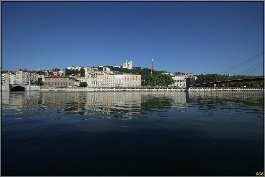 IMAGE: http://photos.corbi.eu/Architecture/Lyon-early-in-a-spring-morning/IMG1177/877619978_qj54c-XL.jpg