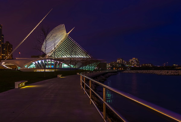 An Evening Stroll at the Calatrava