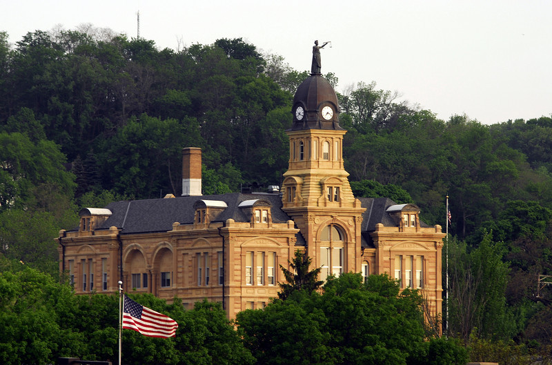 Blue Earth County Courthouse - Mankato