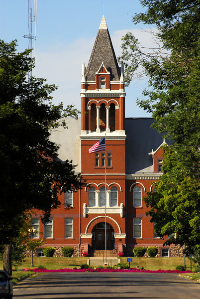 Lac Qui Parle County Courthouse (2) - Madison