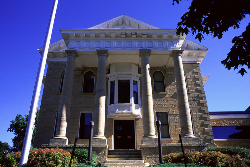 Dodge County Courthouse - Mantorville