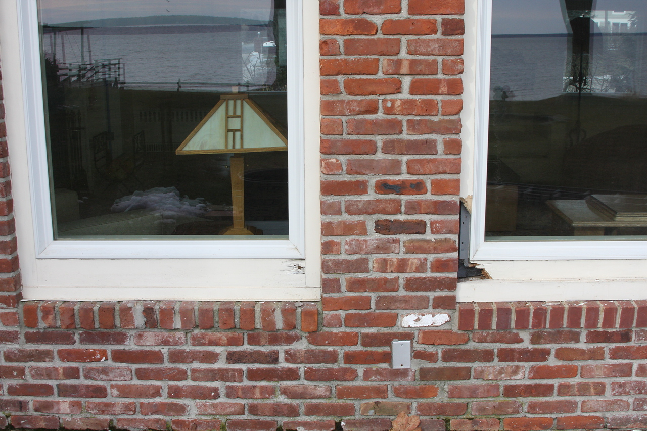 Bay side windows showing dry rot