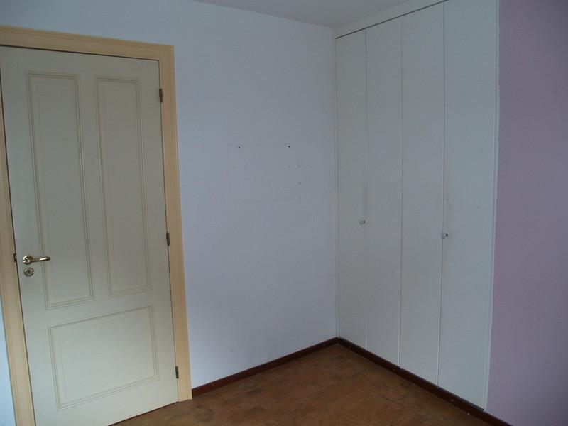 Slaapkamer 2 linkerzijde en muurkast