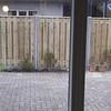 In 2015 is een hek geplaatst tussen ons perceel en dat van de buren.