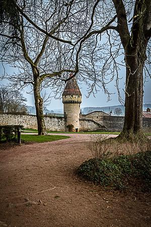 La tour Fabry dans l'enceinte de Cluny