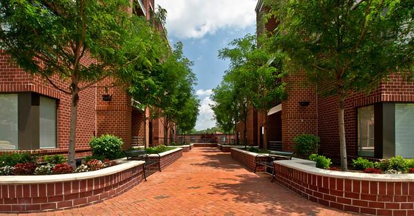 Del Ray Apartments