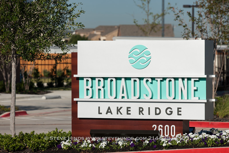 Broadstone Lake Ridge