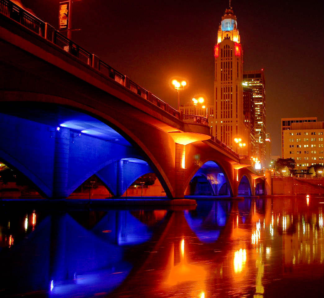 Broad Street Bridge at night.