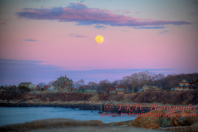 Moon over Rockport_9865