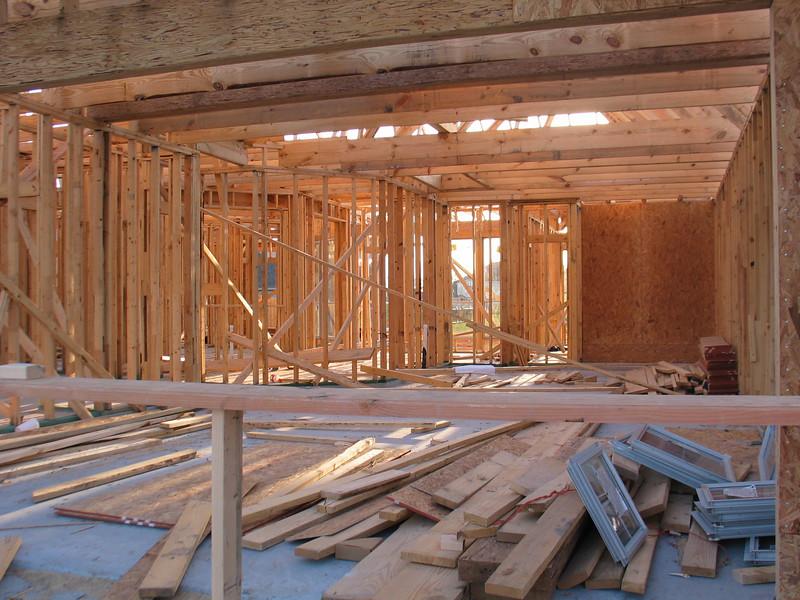 Looking through the garage - 4/12/2007