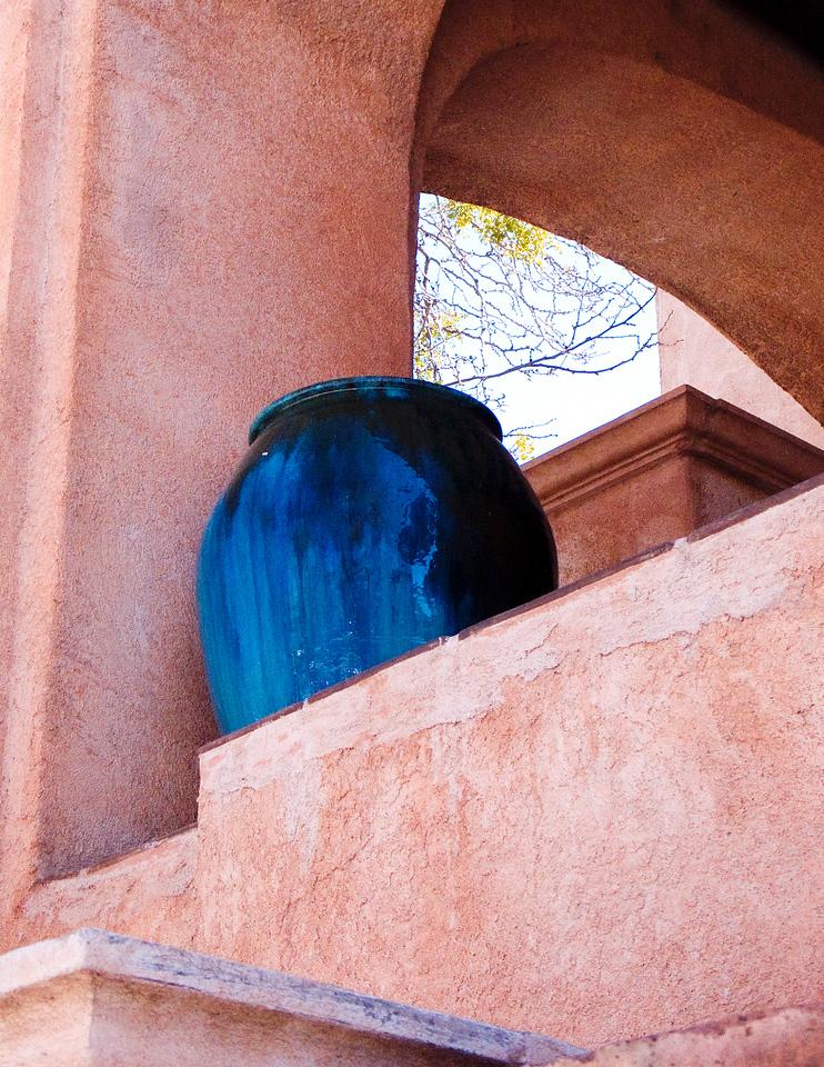 Blue vase in Tlaquepaque, AZ