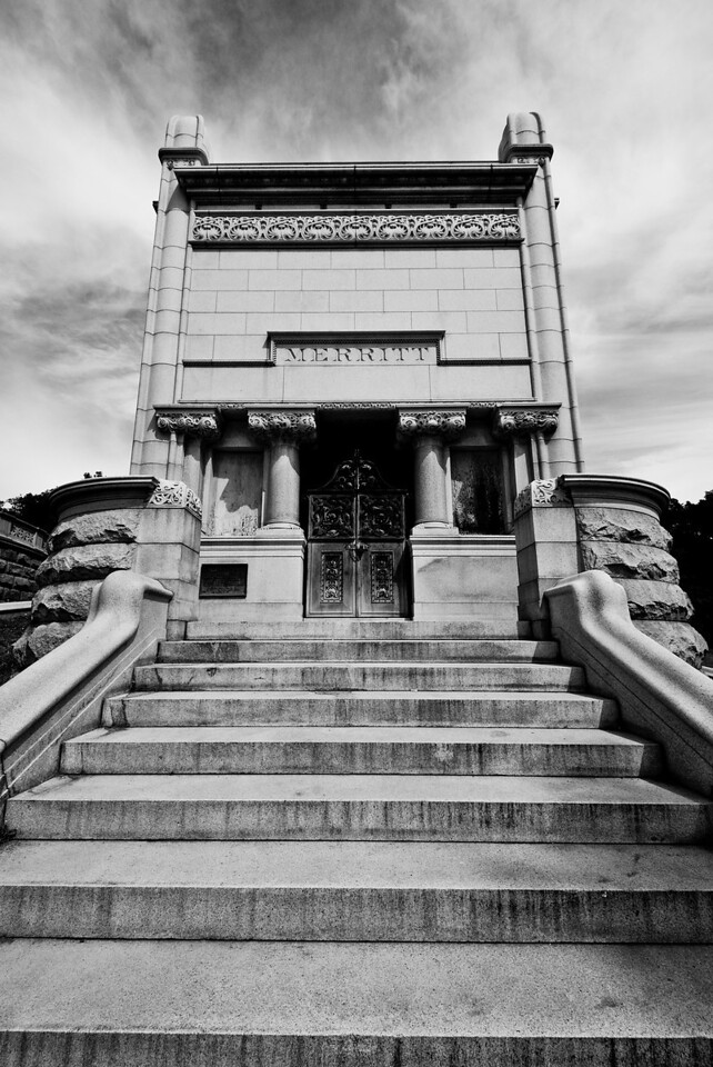 Tomb of Samuel Merritt