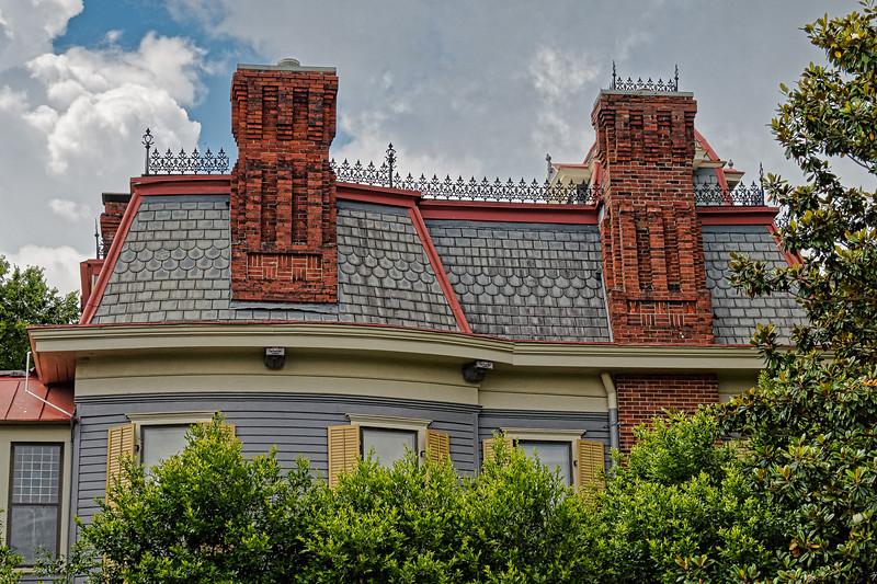 Bullard-Hart-Sampson House's Mansard Roof