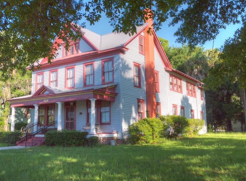 Homes near St. John's River, Palatka, Florida
