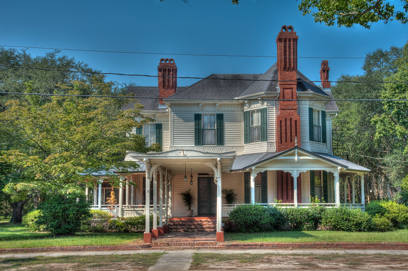 Queen Anne home Blackshear Georgia.