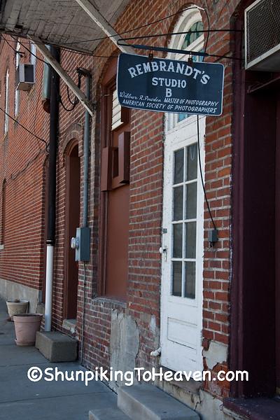 Rembrandt's Studio B, Robinson, Illinois