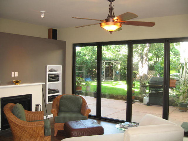 A 16' long Nana wall can completely open the casual living room to the outdoors.