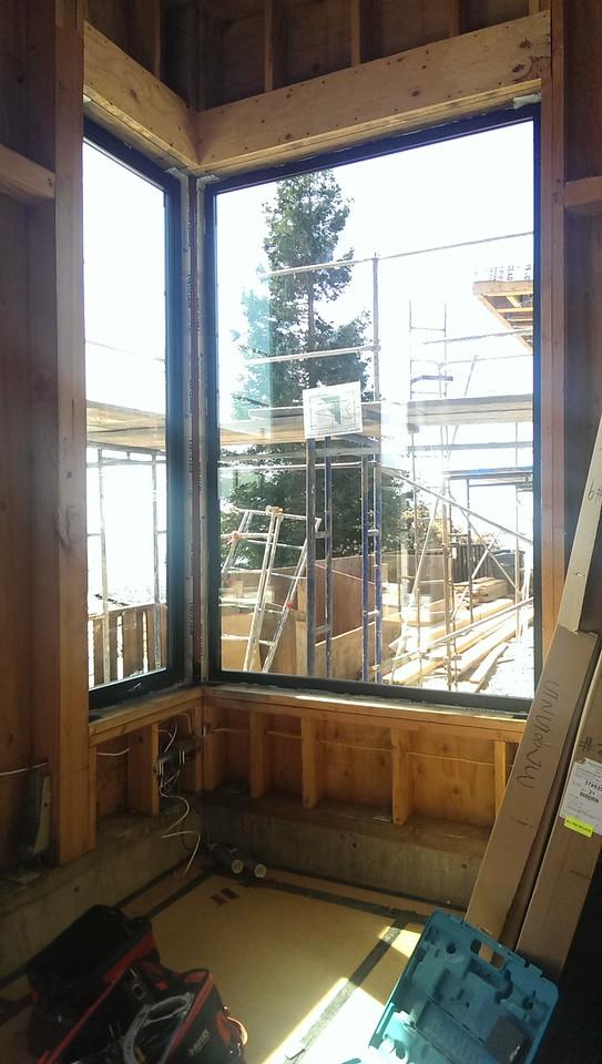2015-03-23 the m bedroom windows